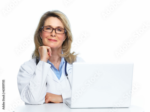 Doctor with laptop.