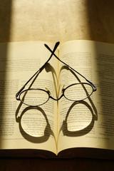 Brille mit Licht und Schatten