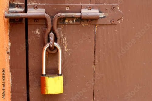 Key lock gates wood vintage