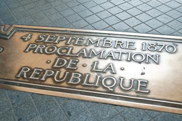 plaque commémorative place de l'étoile à Paris
