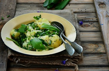 potatoes ,ramson and green pea spring salad