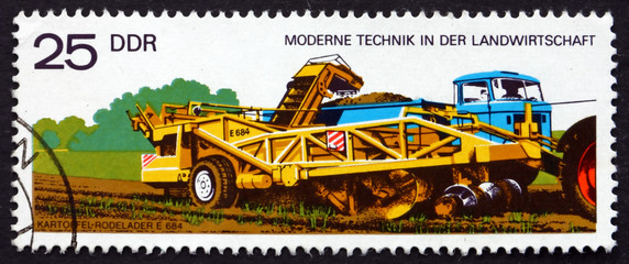 Postage stamp GDR 1977 Potato Digger and Loader