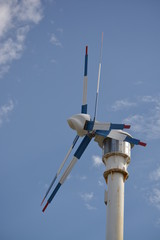 Aerogenerador doble, molino eolico con dos helices