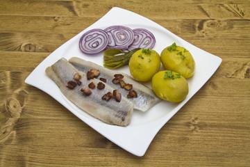 Matjesheringe mit Kartoffeln