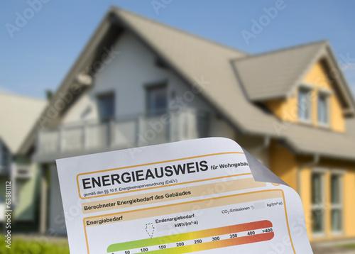 Leinwandbild Motiv Haus und Energieausweis