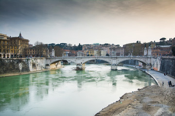 bridge over the river's tevere