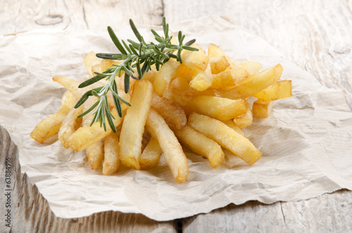 french fries with fresh rosemary