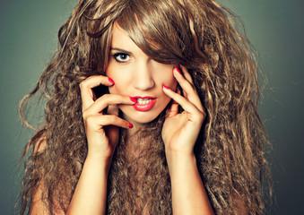 fashion 04-girl with wild hair