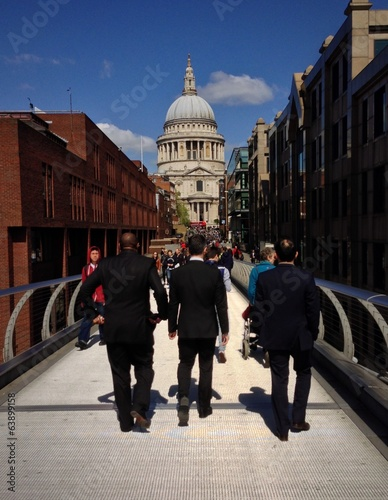 walking to st Paul's