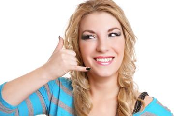 blonde junge Frau will telefonieren