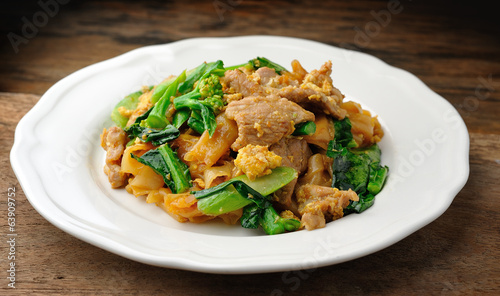 Stir Fried Rice Noodle with pork