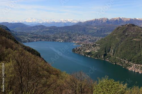 lago di Luganoe Monte Rosa dalla valle d'Intelvi