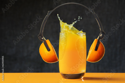 Loud sound, splash of orange juice