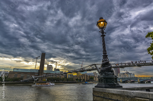Particular view of Millennium bridge