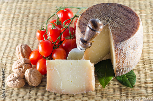 Pecorino cheese and tomatoes