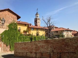strada del centro storico di Saluzzo