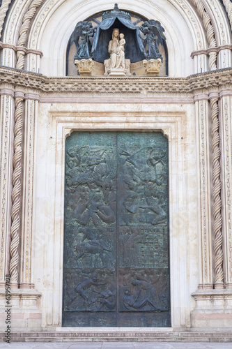 orvieto cathedral doorway
