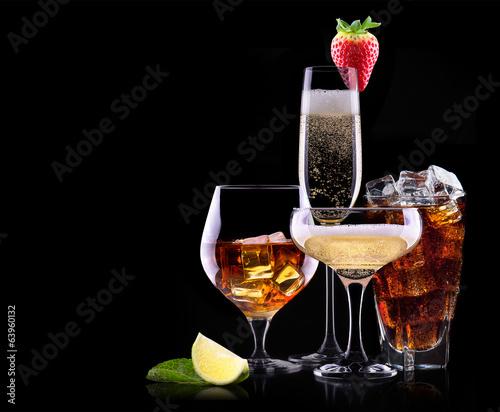 Papiers peints Bar different alcohol drinks set