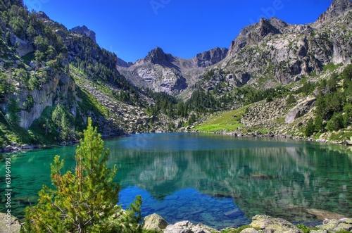Lac de montagne © John Maldoror