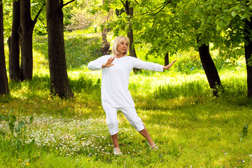 senior woman tai chi
