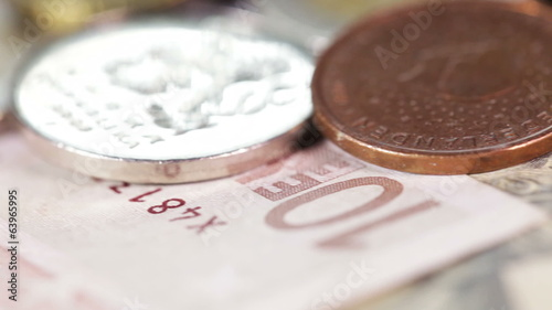 Macro Coins and Banknotes
