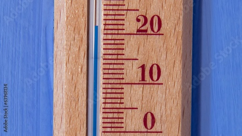 temperature rises on thermometer
