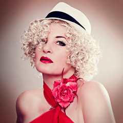 fashion shots 10- curly blond with hat