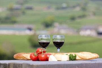 Wein, Käse und Brot