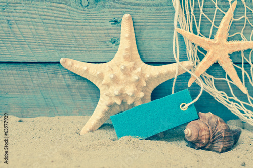 Retro nautical background with starfish