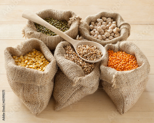 hessian bags with peas, chick peas, red lentils, wheat and green