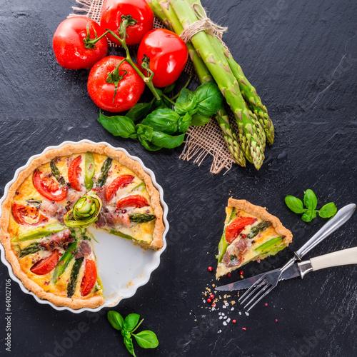 green asparagi Tart with eggs and tomato - 64002706