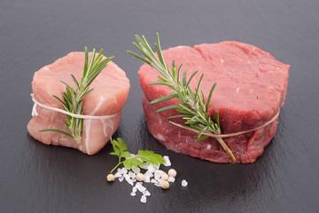 Schweinemedaillons und Rinderfiletsteak
