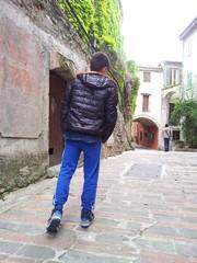 Passeggiando per il borgo