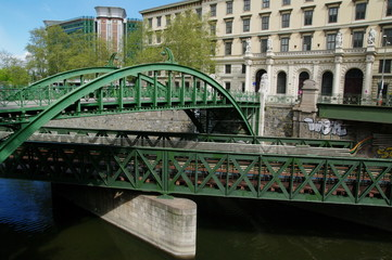 Brücke über Brücke in Wien 1