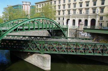 Rundbogenbrücke in Wien 1