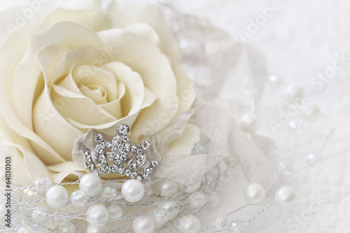 canvas print picture Cream color rose with jeweled crown