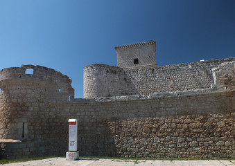 Castillo de Portillo (Valladolid). Vista de las defensas