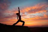 Fototapety Outdoor sunrise yoga girl