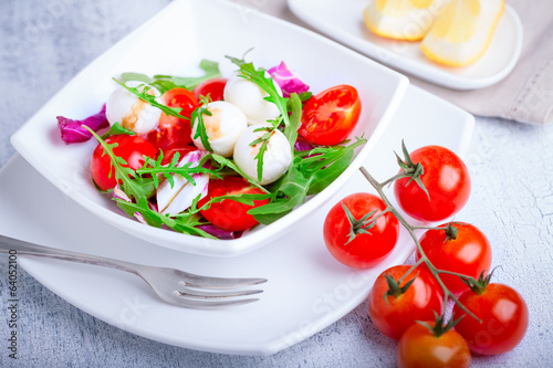 Salad with mozzarella