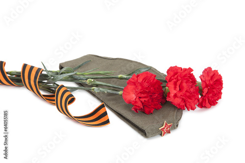 Carnations, George ribbon and field cap