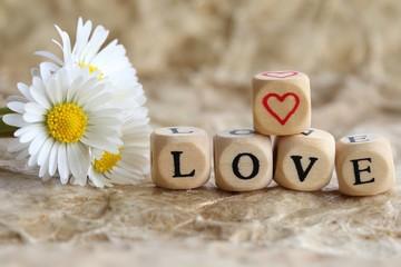Blumen und Buchstaben