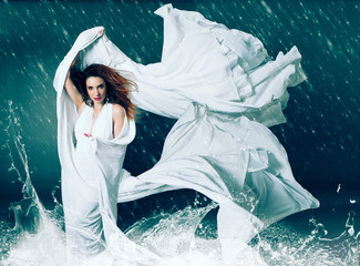 fashion 05-stunning woman in storm