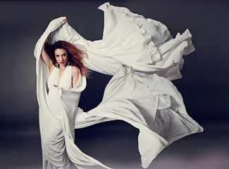fashion 05_3-woman with white scarf in the wind