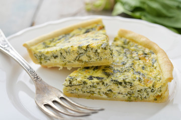 Quiche pie with spinach