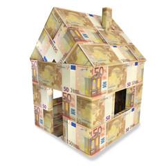 Haus aus 50 Euroscheinen und Kleingeld