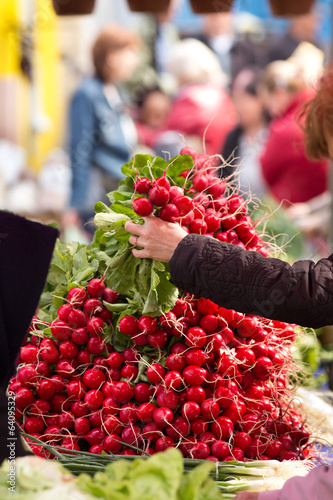 Buying radishes