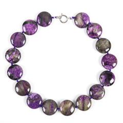 Beads from charoite