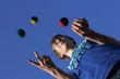 Leinwanddruck Bild - Konzentrationsübung, Jonglieren