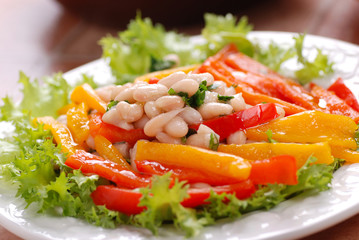 insalata di fagioli cannellini e peperoni