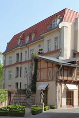 Stadthaus mit kleinem Vorgarten